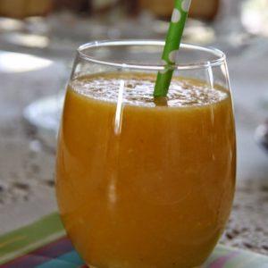 Koktajl mango-ananas