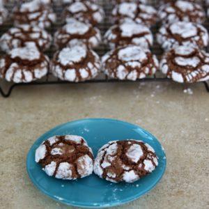 Popękane ciasteczka czekoladowe