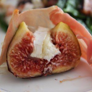 Figi zapiekane z kozim serem i szynką parmeńską
