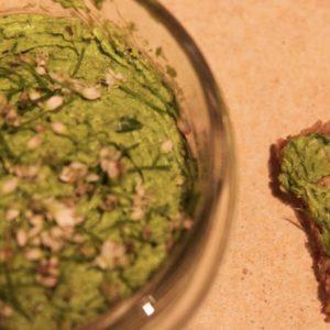 Pesto ze szczypiorku czoskowego