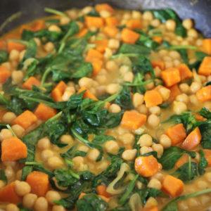 Curry z ciecierzycą i dynią