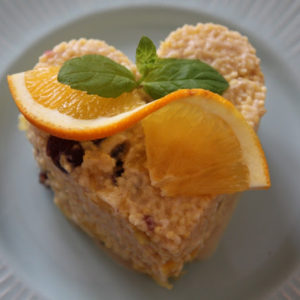 Kasza jaglana z pomarańczą, cynamonem i żurawiną