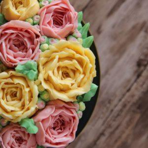 Krem maślany (idealny do kwiatów i ozdób)